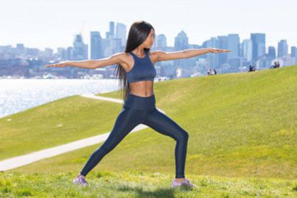 瑜伽,带给你的事正能量,修炼瑜伽要注意一下九个事项