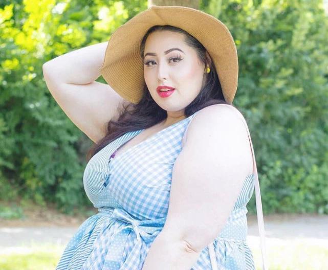 230斤大碼肥模,呈現出特殊美感,自信稱她就是最美的!