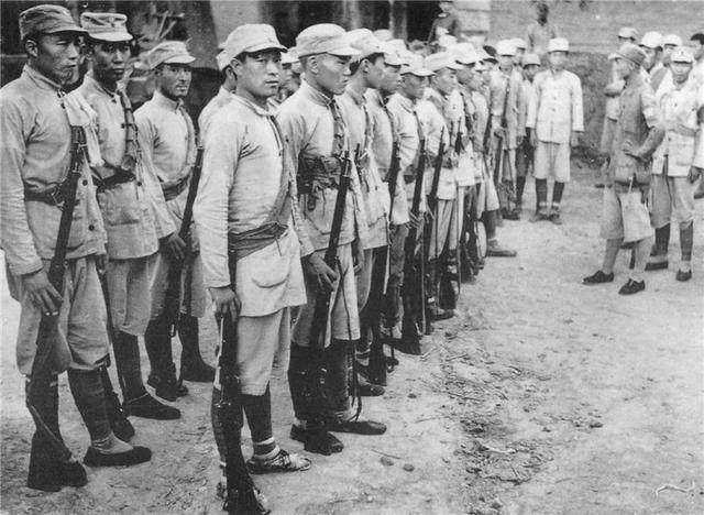 他是抗日牺牲的最高将领之一,毛主席为他流泪,不死或成开国大将