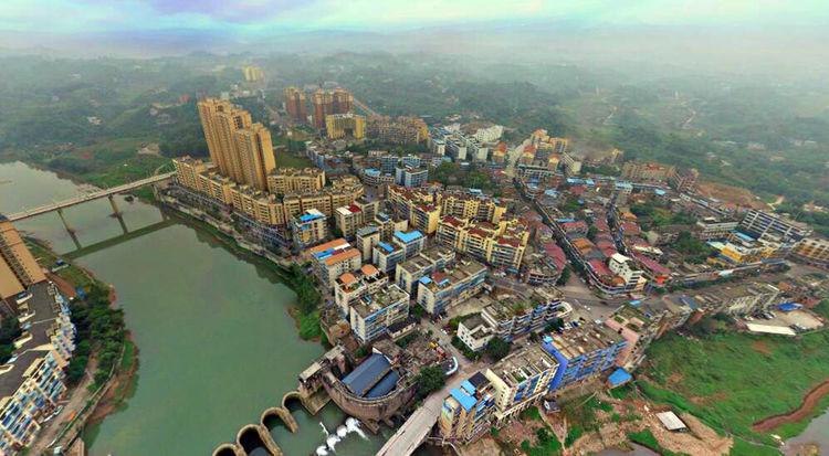 四川泸州纳溪区面积最大的镇,被誉为川南明珠,特产陈醋