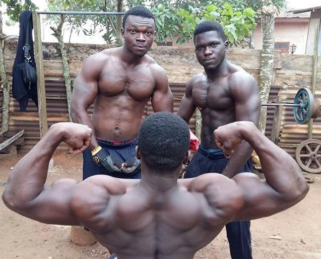 非洲健身村,小伙子們為了改變命運,練就一身強壯肌肉!