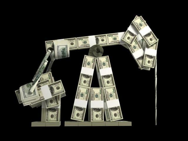 """5年前油价""""断崖式""""下跌一幕或将重演,国内油价或进入下调拐点"""