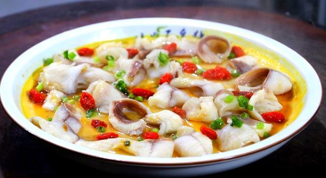 鸡蛋羹创意新做法,加一条黑鱼,简单一做,好看好吃又营养