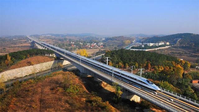 <b>四川境内最委屈的一座城市,虽地处中间位置,但却不通客运铁路</b>