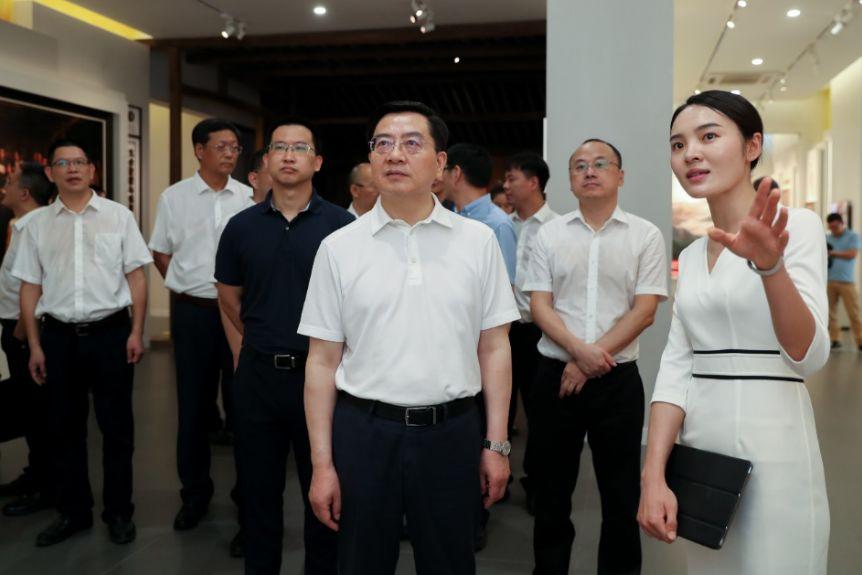 陈伟俊赴平阳县调研:全面落实市委全会精神,打造红色圣地,加快绿色发展