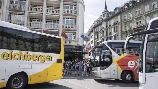 史无前例!万人中国旅游团光临瑞士,当地人的反应有点复杂