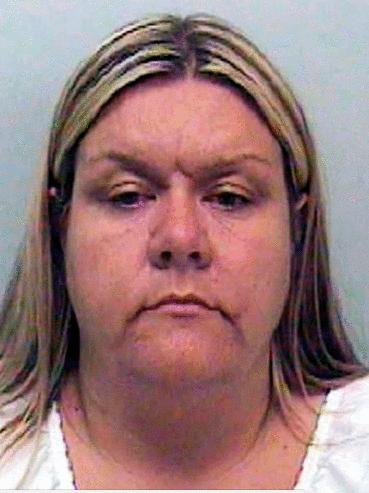 托儿所狂虐64婴! 性侵、偷拍幼童传给男友, 英国最恶恋童女将假释