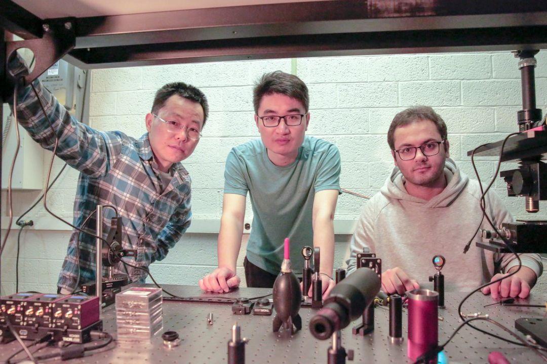 威斯康星大学麦迪逊分校余宗福研发出智能玻璃:仅用光就能识别数字