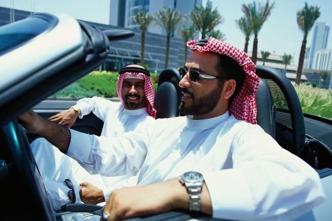 """去迪拜旅游的禁忌:不要随便拍照,地上的""""小卡片""""也不要捡"""