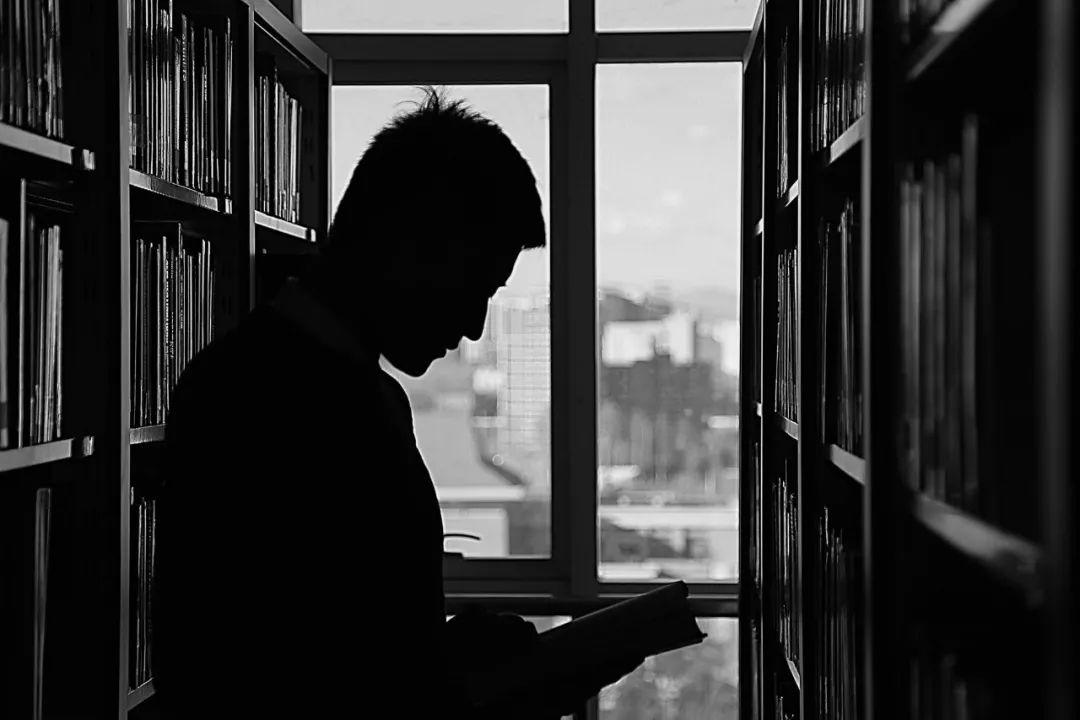 当我们谈论读书的时候   我们该读些什么?