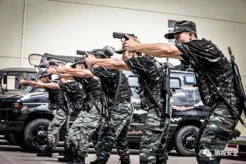 四位军人均立下一等功,其中一个还有12个三等功