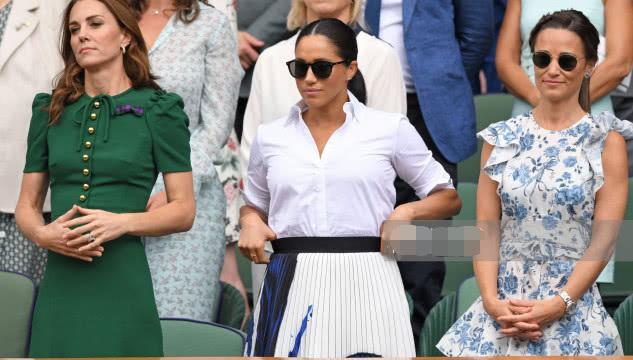 <b>梅根又不讲究了!看温网当众提裙子怪腰粗?凯特太瘦被吐槽体态差</b>