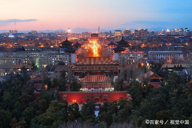 <b>听说北京卤煮火烧很好吃,但是看了里边的东西,女朋友直接吐了</b>