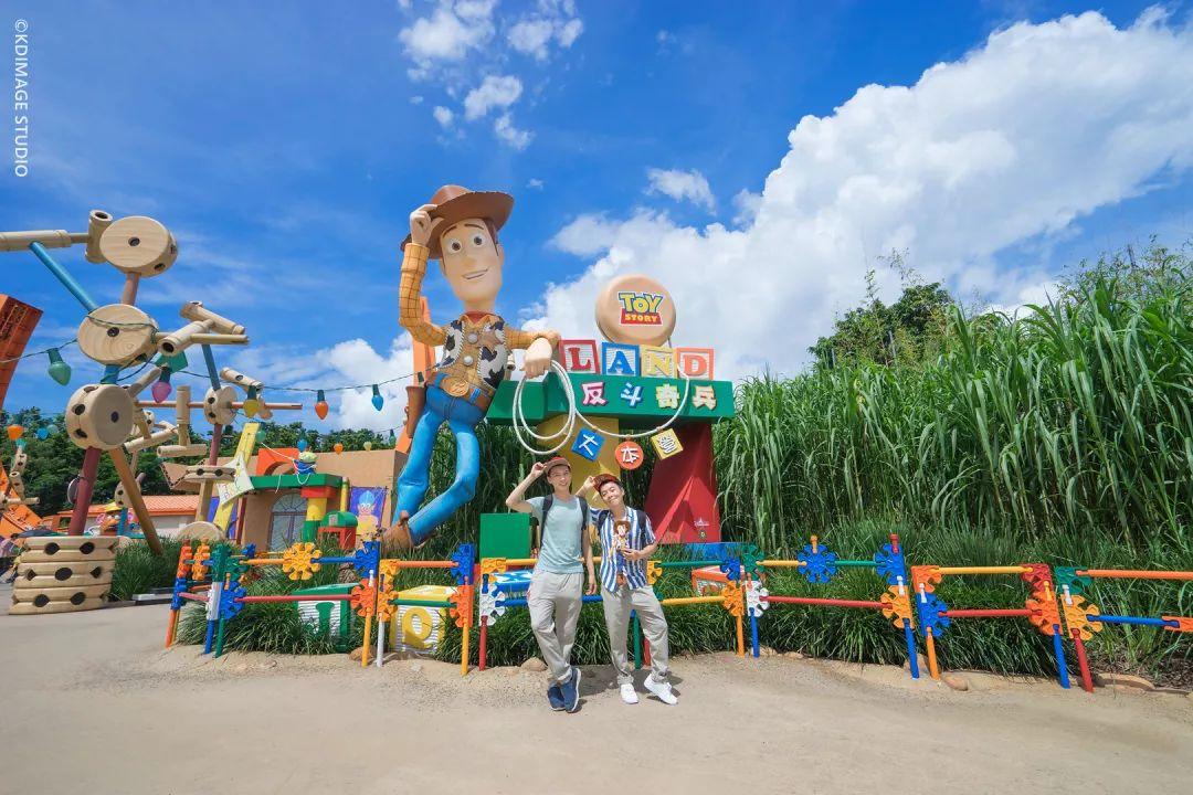 """暑期亲子游推荐 : 去香港迪士尼尽情玩水,迪士尼·皮克斯好友在等你狂欢一""""夏"""""""