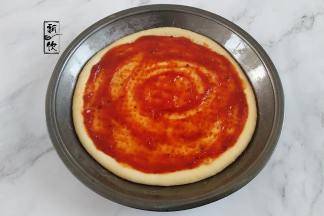 披萨也家常,随便发块面,加上馅料,松软又拉丝,好吃到停不下来