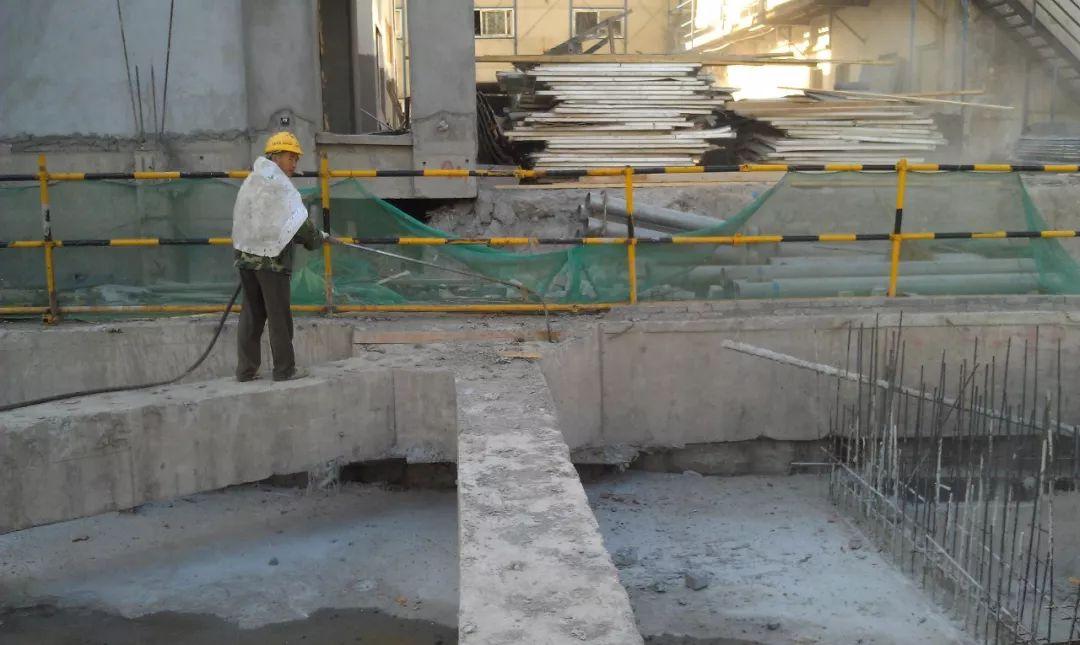基坑混凝土支撑静态爆破拆除施工工法图片
