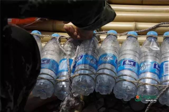 矿泉水瓶变瘪的原理_矿泉水瓶