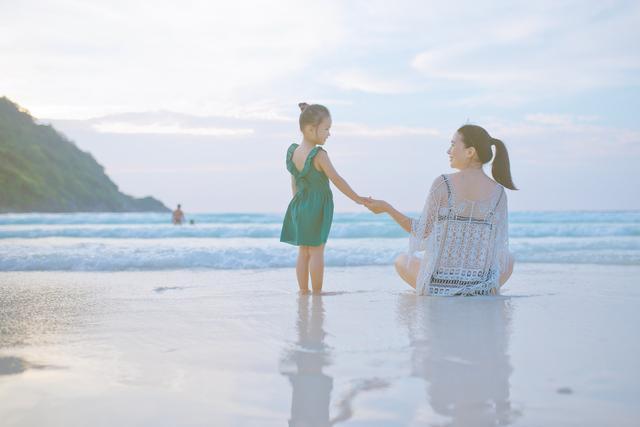 海边旅游回来4岁孩子皮肤被晒伤,医生:孩子比大人更需要防晒
