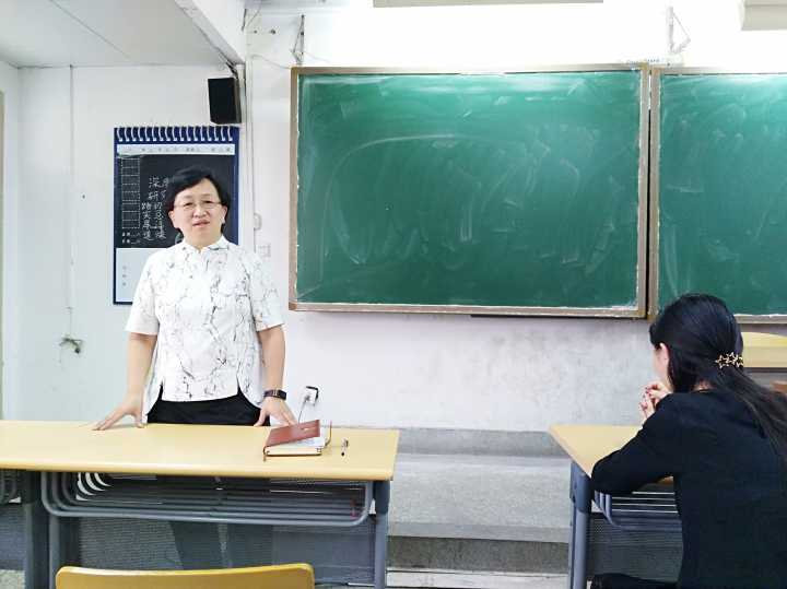 华师一副校长:高三工作的核心是高考,但比分数更重要的是人
