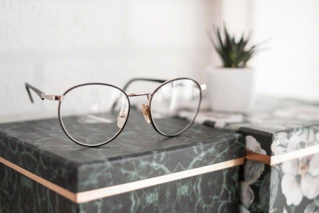 眼镜架抽检报告:木九十、暴龙等被检出不合格!