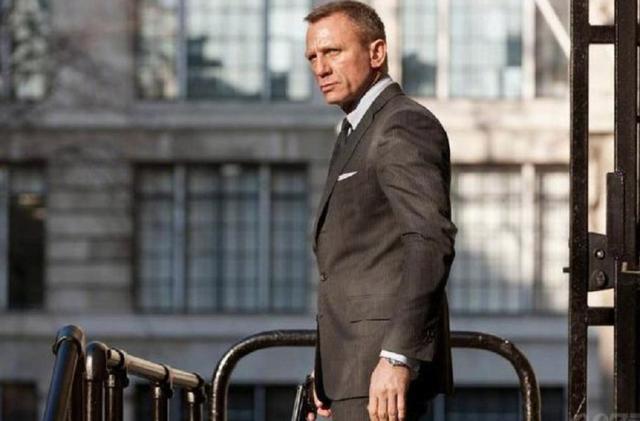 詹姆士邦德退戚,007酿成了女奸细,完全放飞自我了?