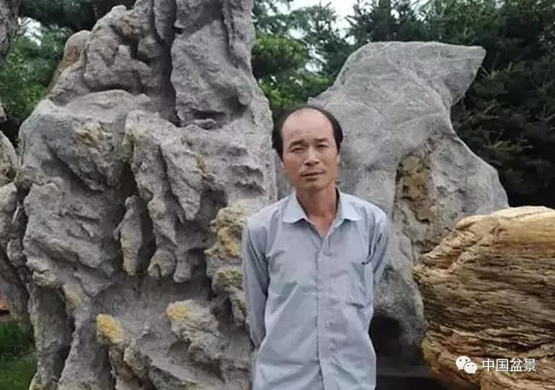 """<b>海派盆景达人王妙青与他的""""一盆园""""</b>"""