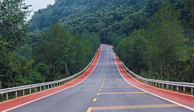 中国最独特的10条公路 自驾游老司机首选