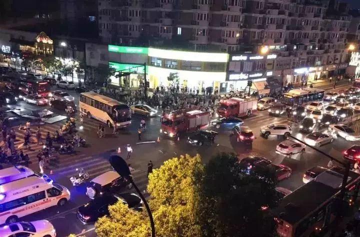 女司机一审获刑6年!去年杭州城西那场致5死7伤的交通肇事案宣判了...