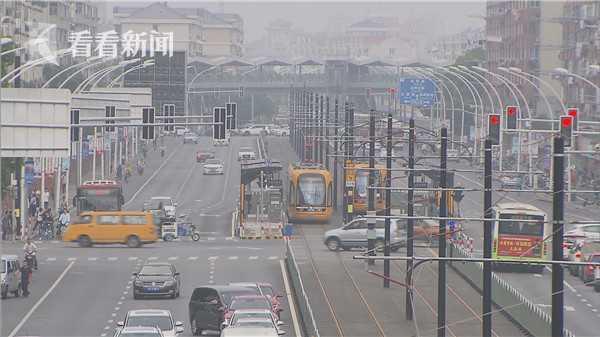 申晨间|有轨电车加剧拥堵?