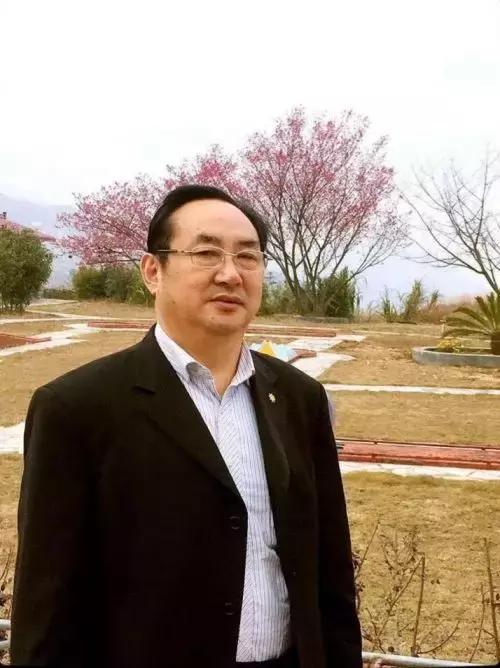 著名水墨艺术家陈国强谈画家的艺术创作成本
