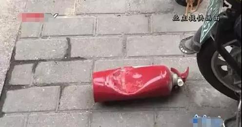 一個瓶蓋就能致命,孩子高空拋物,到底有多「熊」