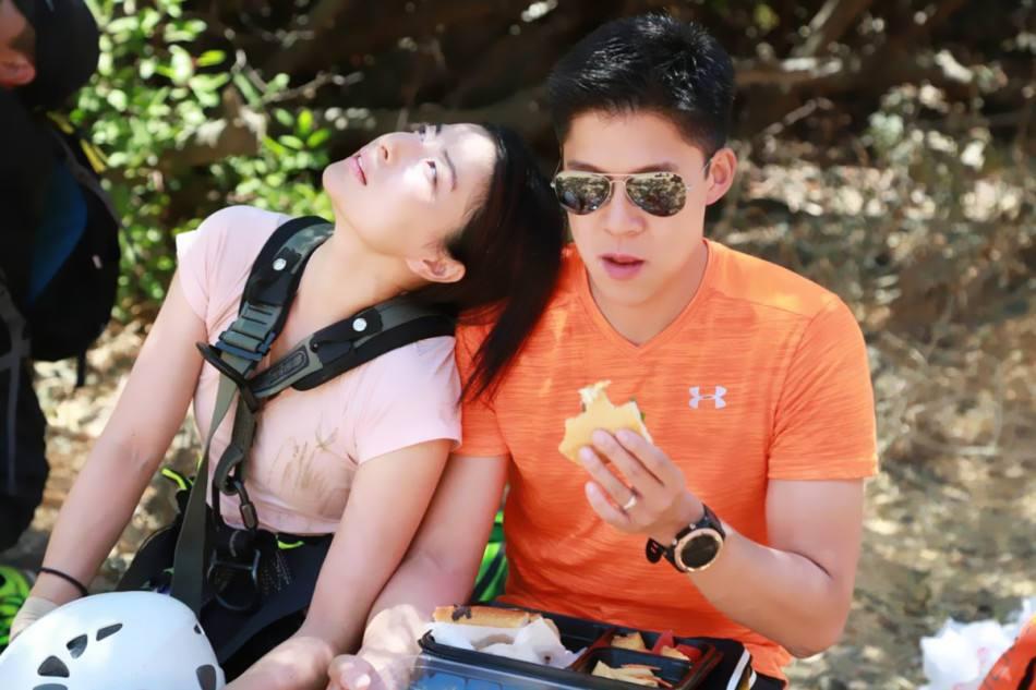 网友香港街头偶遇霍启刚郭晶晶密会,两人牵手同行十分甜蜜