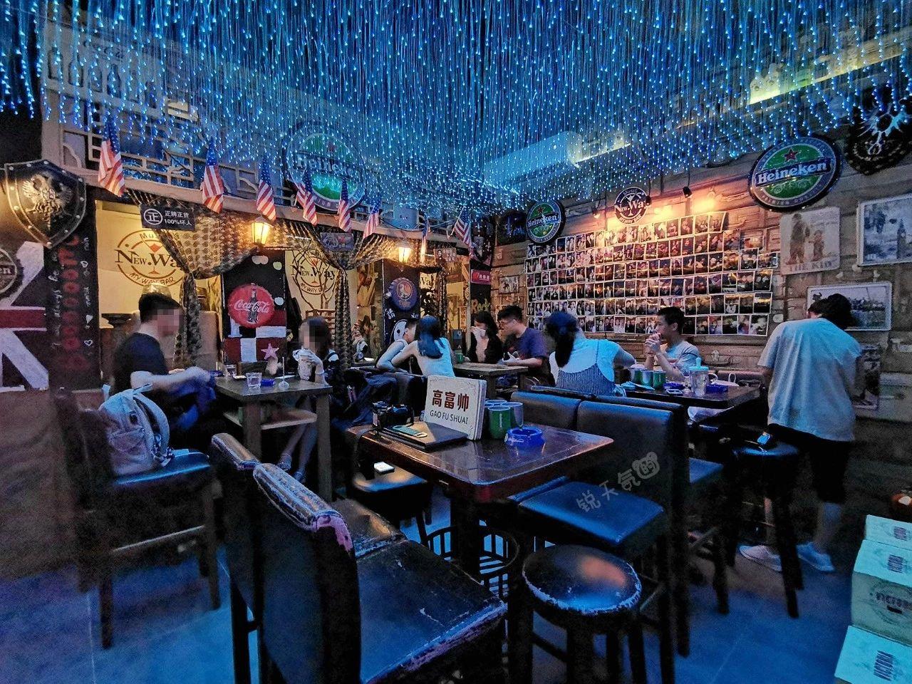 厦门最隐蔽的小众网红酒吧,第一次去连门都差点没找到_老曹