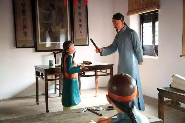 """""""我都被学生骂老不死的""""!中国老师""""害怕""""惩戒学生了....."""