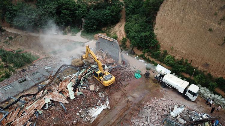 实探郑州五云山:跑马场、高尔夫球场正拆除