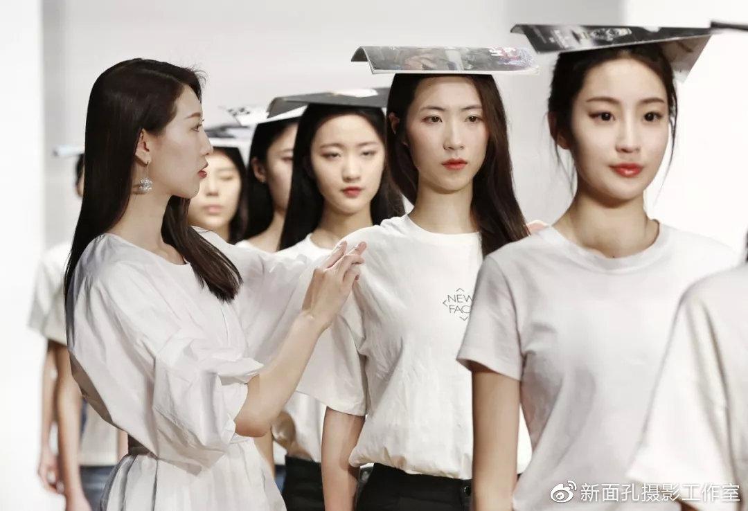 8月1日开班 新面孔2019艺术高考培训 服装表演专业