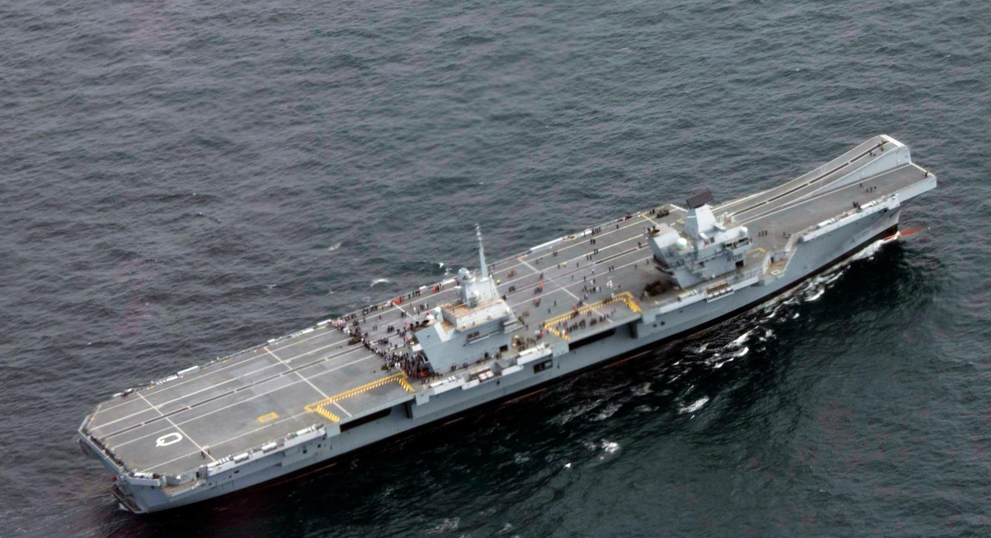 国产航母突发漏水, 200吨海水瞬间涌舱内! 直接放弃任务返航