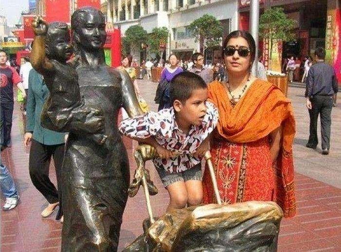 <b>印度富婆:中国有两点不是很好!中国网友:第一次来中国旅游?</b>