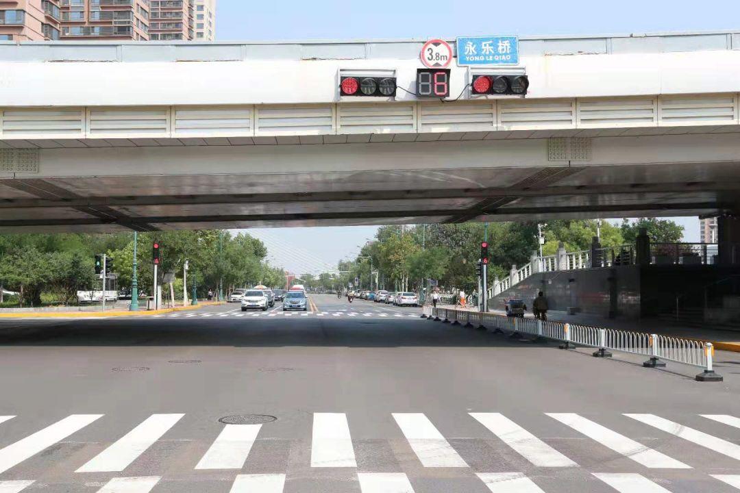"""天津出现""""过街神器"""",行人司机都要注意!"""