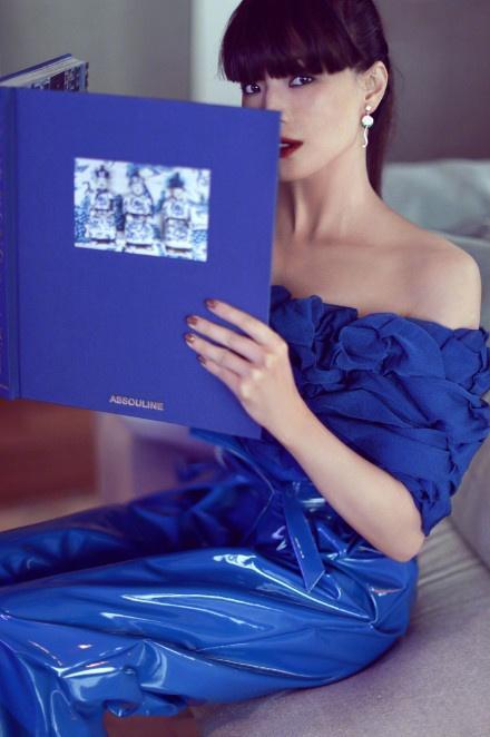 陈漫镜头下的舒淇,穿旗袍剪齐刘海很颠覆!