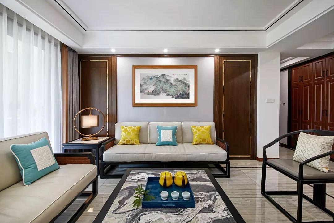 家里挂画最好的位置,不是客厅卧室,竟然是这里!