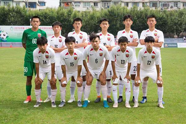 绿茵场上的上海足球小将:热血、拼搏和期望的未来