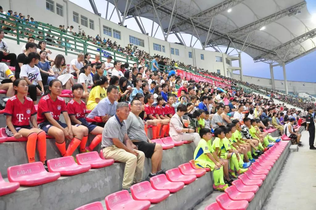 2019中国足球协会女子足球超级联赛在郑州大学隆重开幕