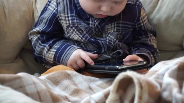 原創             研究确认:长期看电视剧或应用社交媒体的孩子,更非常容易得了忧郁症