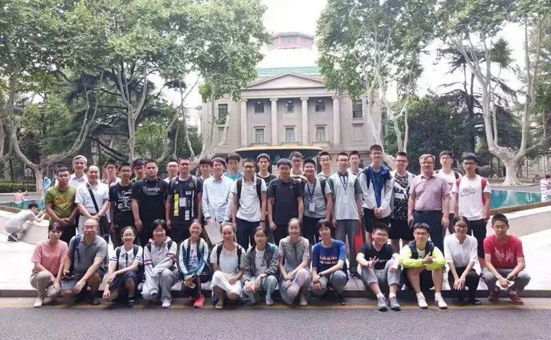 给想飞的孩子插上翅膀,中国大学先修课程试点项目物理公益课堂在南京举办