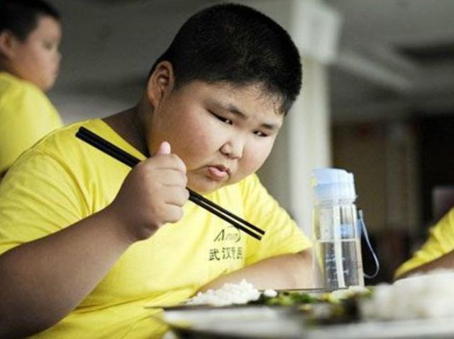 唯蜜瘦科普 心惊 儿童肥胖居然有这么大的危害