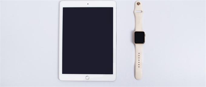 乔纳森・艾维出走!库克接班人浮把��成公子出水面,苹果彻底变成一家运营公司?