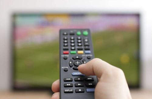 """电视行业的搅局者 """"智慧屏""""会成为下一个智能家居入口吗?"""