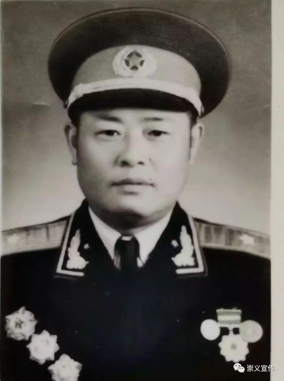 开国将军陈天佑简介