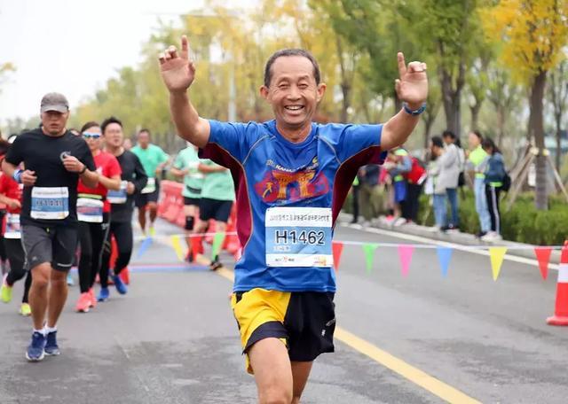 免费报名,完赛前1000名有奖金,2019山东文昌湖半程马拉松来了